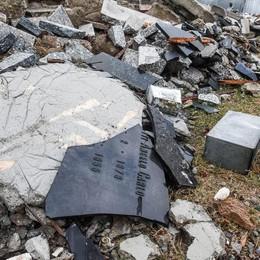 Como, degrado cimiteri  Nessuno è intervenuto