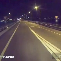 Investito in autostrada, il video