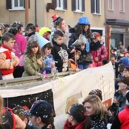 Carnevale, operazione rilancio  Parata di maschere a Mariano