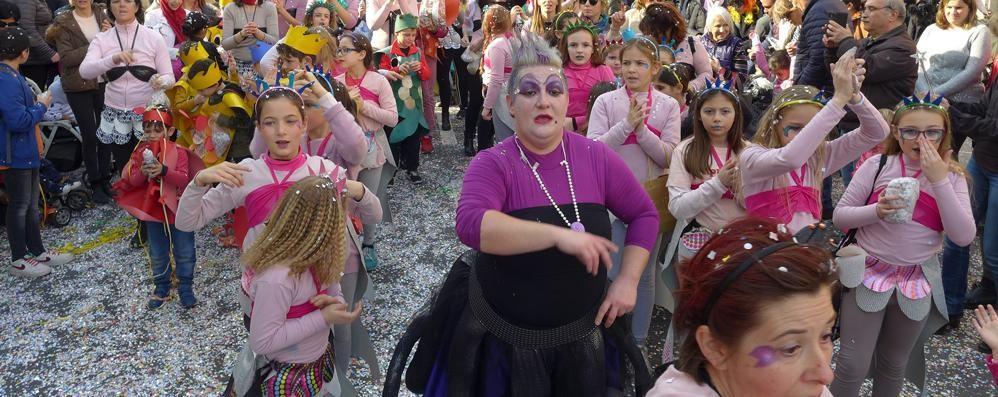 Costumi e coriandoli  Da Erba a Cantù   bimbi protagonisti