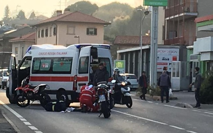 Incidente a Villa Guardia Traffico bloccato, ora normale
