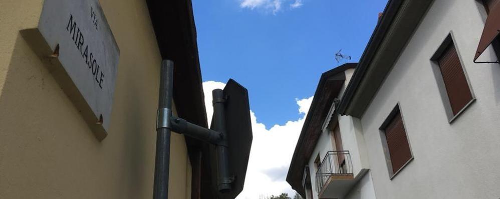 Capiago, nuovo allarme furti  Ladri in fuga sui tetti di notte