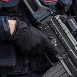 Soldati in centro, commercianti a favore  «Deterrente per ladri e borseggiatori»