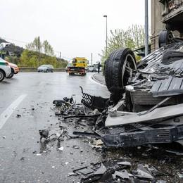 Frontale in Napoleona,  poi un'auto si ribalta  Cinque i feriti, due gravissimi