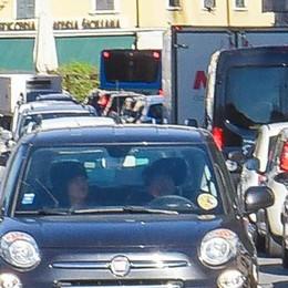 Traffico, così la città muore  L'assessore: «Mani legate»