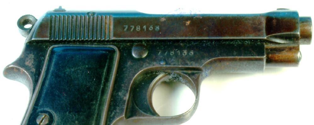 Grandola, una pistola tra i rifiuti  Uguale a quella per finire il duce