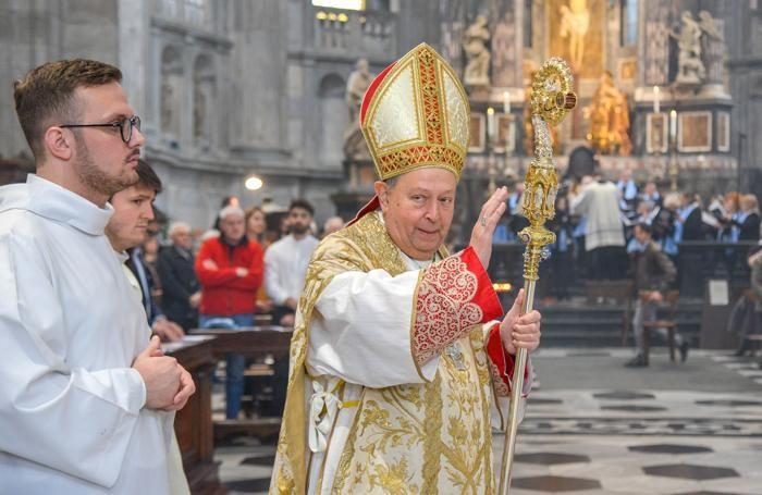 Como Duomo messa di Pasqua con il Vescovo Oscar Cantoni