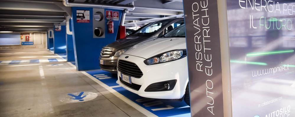 Auto, altro che consumi ecologici  In città soltanto 26 quelle elettriche
