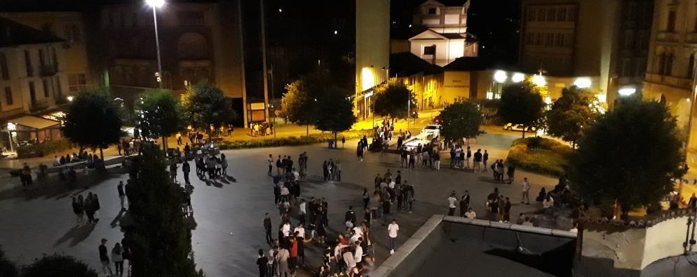 Cantù, rissa in piazza Garibaldi   Preso a sprangate per un parcheggio