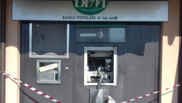 Facevano esplodere i Bancomat  Arrestati dai carabinieri