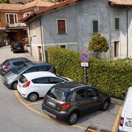 «Lambro al posto del parcheggio»  Chiesto un referendum