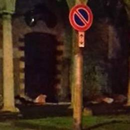 San Francesco, ci risiamo I senzatetto si riprendono il porticato