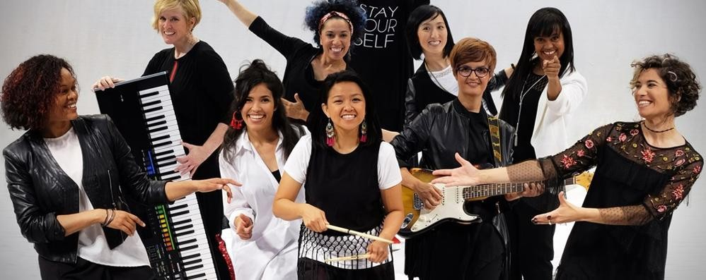 Sul palco del Sociale con i Gen Verde  Un'opportunità per i giovani comaschi