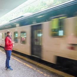 Treni, la Svizzera investe e accusa l'Italia  «Ritardi e pochi binari, servono risposte»