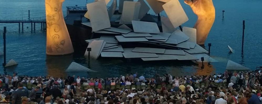 Palco galleggiante al galoppatoio  Il progetto fa sognare Cernobbio