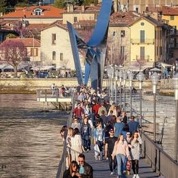 Turismo, allarme  degli albergatori:  «Profili social falsi e ricatti on line»
