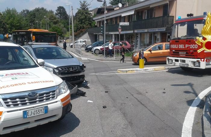 La scena dell'incidente in via Pascoli