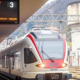 Due treni all'ora per Como  ma si pagherà di più  I pendolari: «Rischio caos»