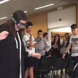 Cantù, ecco come guidano gli ubriachi  Simulazione con gli studenti