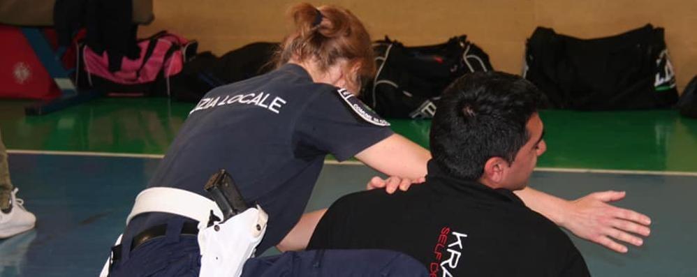 Olgiate, corso di arti marziali  I vigili addestrati come gli israeliani