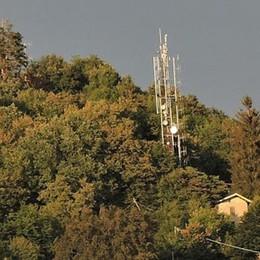 """«Troppe antenne a Brunate»  Le radiazioni """"scaldano"""" il voto"""