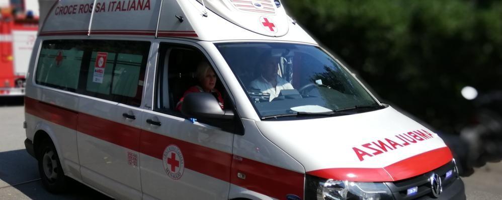 Albavilla, malore a scuola  Donna di 40 anni in ospedale
