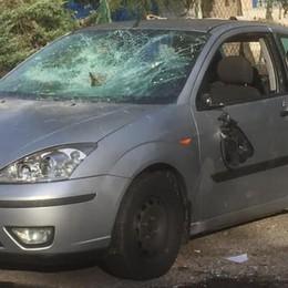 Alzate, torna il vandalo delle auto  Se l'è presa con un tergicristallo