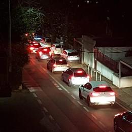 Chiude la A9 (nelle due direzioni) Incubo traffico di notte