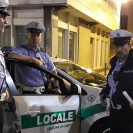 Controlli notturni nei locali a Cantù I vigili multano un negozio e un bar