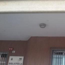 A Turate spuntano i vandali acrobati  Imbrattano il soffitto con i mozziconi