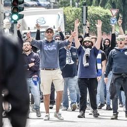 Calciatore del Lecco aggredito «Picchiato davanti ai miei figli»  Gli ultras del Como: «Ci dissociamo»