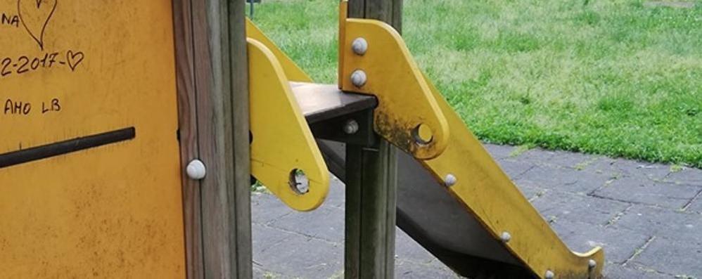 Cantù, tornano i vandali nei parchi  Danneggiati i giochi dei bambini