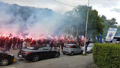 Calcio Como, l'arrivo della squadra allo stadio
