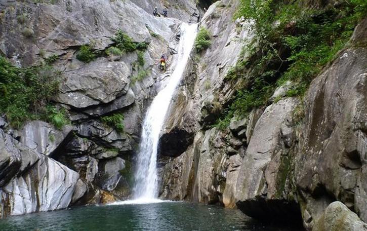 Tragico canyoning in Alto Lario  Turista trovato morto nel torrente