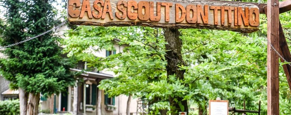Tenta di accendere il fuoco con l'alcol Gravi ustioni per uno scout di 8 anni