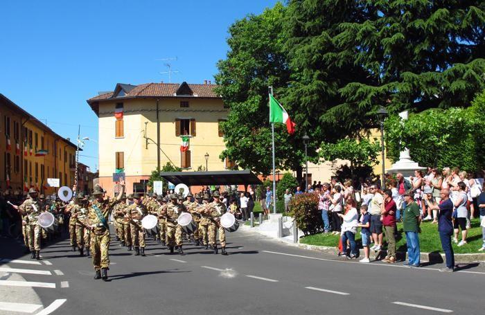Le fanfare alpine durante la sfilata