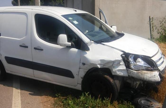 Il furgoncino coinvolto nell'incidente