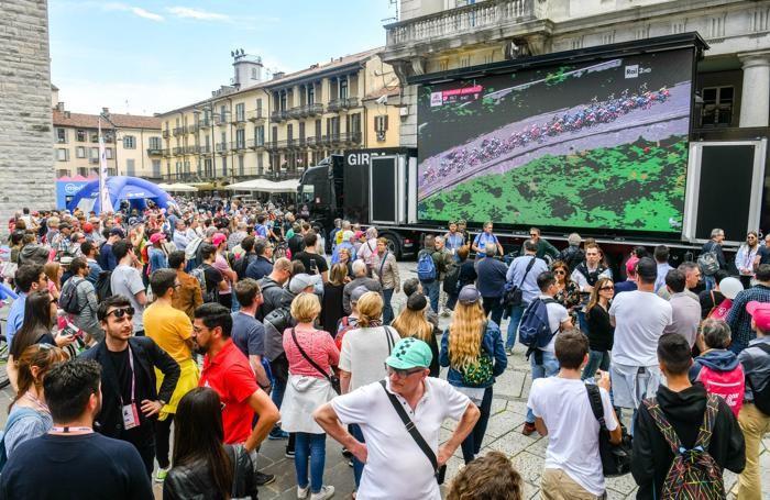 Como folla e manifestazioni collaterali al giro d'italia