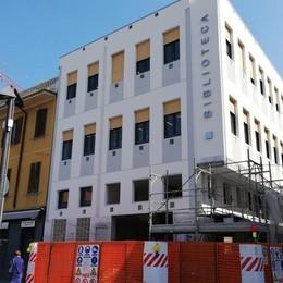 Mariano, la biblioteca si svela  La nuova facciata è già visibile