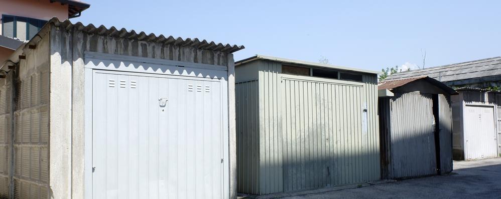 Garage abusivi nelle case popolari  Il Comune di Erba li demolirà