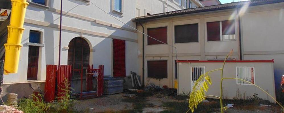 Sede dei vigili, soldi fermi da 10 anni  Corsa a Cantù per riaprire il cantiere