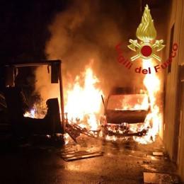 Gironico, notte di fuoco  Incendio doloso di 8 furgoni