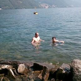«Mio figlio autistico  vuole nuotare nel lago   Aiutatemi a farlo felice»