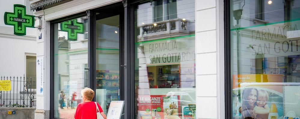 Medicinali salvavita introvabili a Como  Pazienti in coda nelle farmacie svizzere