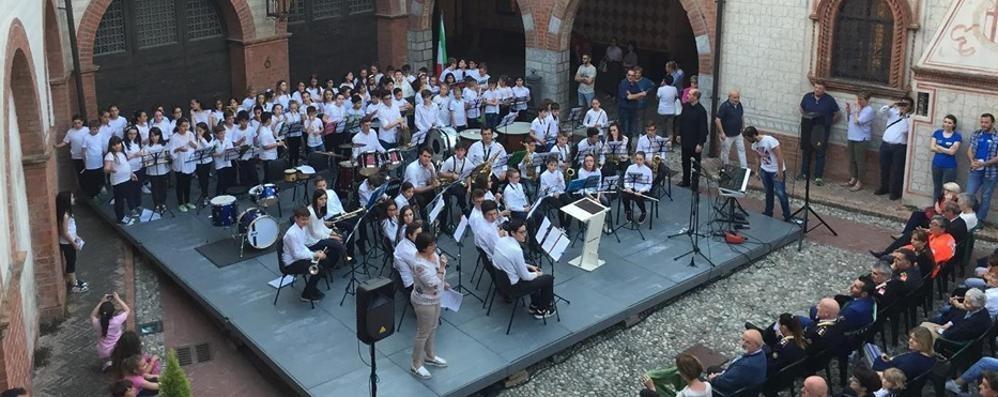 La banda di Olgiate derubata a Praga  Dal bus spariti navigatore e clarinetto