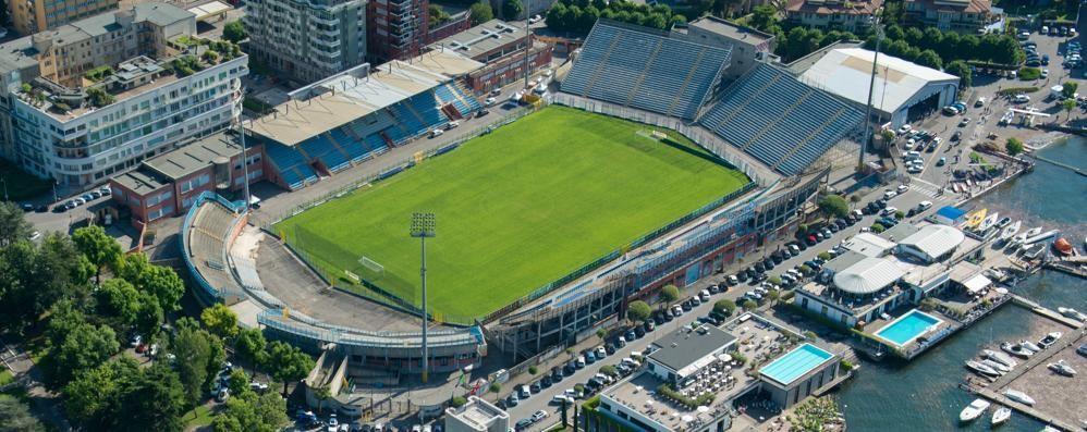 L'esperto: «Possibile rifare lo stadio»  Domani incontro tra Como e il Comune