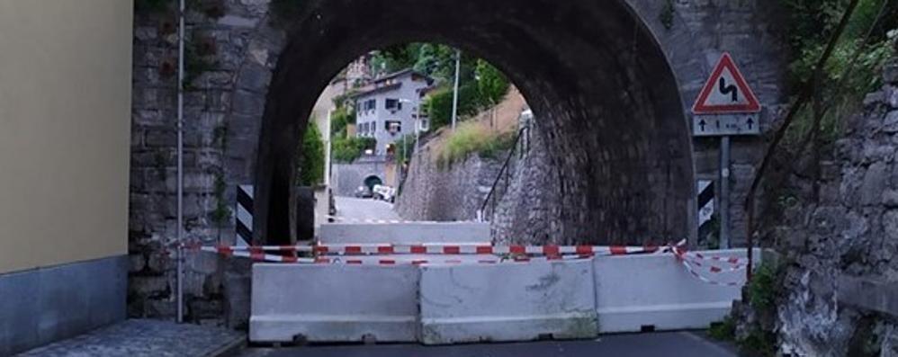 Valsolda, calcinacci da un ponte  L'ex Regina chiusa al traffico