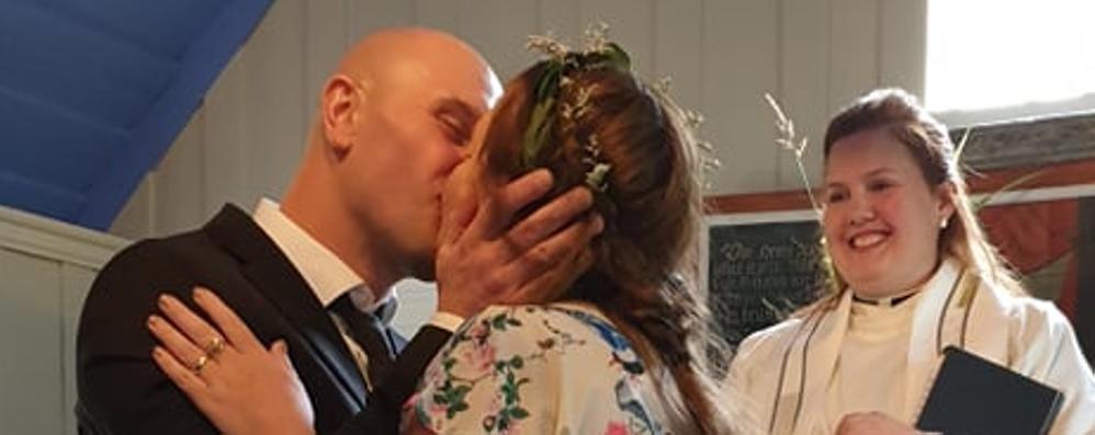 Cantù, si sposa in Islanda Le nozze in diretta sul web
