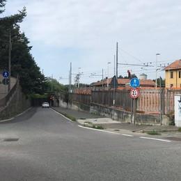 Sottopasso di Fino, via ai lavori  Via Scalabrini chiusa al traffico