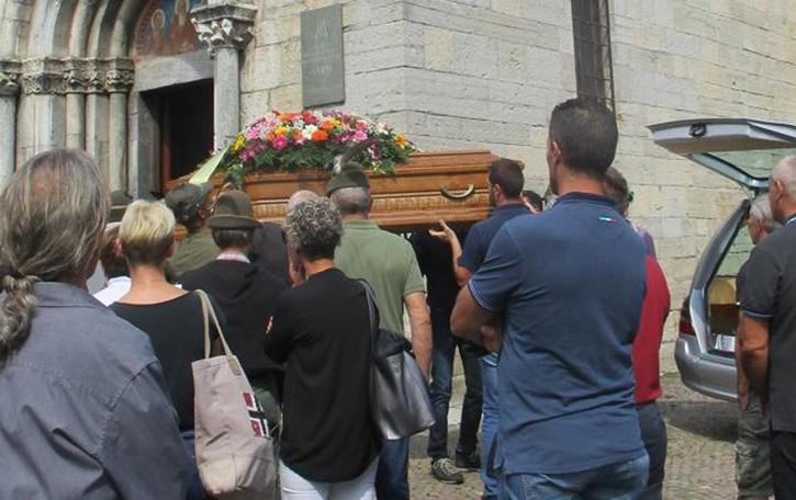 Morto per le punture dei calabroni  «Angelo  ci mancherà»